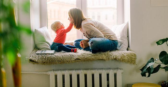 七個月寶寶與媽媽玩遊戲